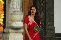 Actress-Nayanthara-photos-(10)