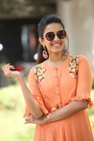 Niharika-Konidela-at-Happy-Wedding-Trailer-Launch-Photos-(1)