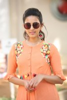 Niharika-Konidela-at-Happy-Wedding-Trailer-Launch-Photos-(4)