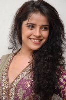 Piaa-Bajpai-Latest-Stills-(16)