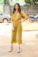 Rakul-Preet-Singh-at-Wife-of-Ram-Trailer-Launch-Photos-(15)