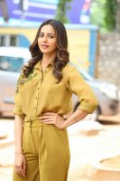 Rakul-Preet-Singh-at-Wife-of-Ram-Trailer-Launch-Photos-(17)