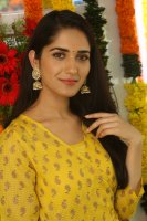 Ruhani-Sharma-at-Chi-La-Sow-Movie-Opening-Stills-(8)