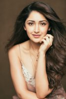 Junga-Actress-Sayyeshaa-Saigal-Stills-(1)
