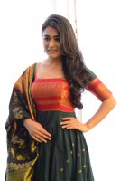 Shalini-Pandey-New-Stills-(14)