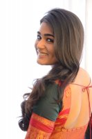 Shalini-Pandey-New-Stills-(19)