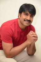 Jamba-Lakidi-Pamba-Hero-Srinivas-Reddy-Interview-Stills-(1)