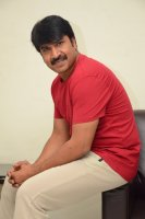 Jamba-Lakidi-Pamba-Hero-Srinivas-Reddy-Interview-Stills-(13)