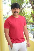 Jamba-Lakidi-Pamba-Hero-Srinivas-Reddy-Interview-Stills-(24)