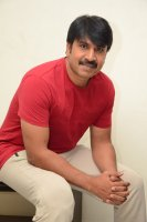 Jamba-Lakidi-Pamba-Hero-Srinivas-Reddy-Interview-Stills-(25)
