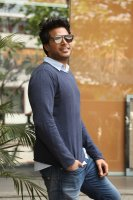 Sundeep-Kishan-New-Interview-Stills-(12)