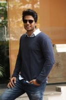 Sundeep-Kishan-New-Interview-Stills-(14)