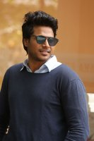 Sundeep-Kishan-New-Interview-Stills-(15)