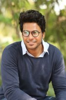 Sundeep-Kishan-New-Interview-Stills-(25)