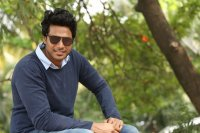 Sundeep-Kishan-New-Interview-Stills-(5)