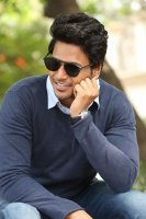 Sundeep-Kishan-New-Interview-Stills-(6)