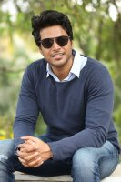 Sundeep-Kishan-New-Interview-Stills-(9)