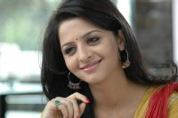 Vedhika-Latest-Photos-(1)