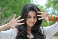 Vedhika-Latest-Photos-(2)