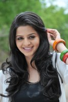 Vedhika-Latest-Photos-(5)