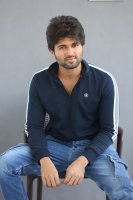 Taxiwala-Hero-Vijay-Devarakonda-Latest--Interview-Stills-(12)