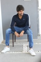 Taxiwala-Hero-Vijay-Devarakonda-Latest--Interview-Stills-(15)
