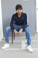 Taxiwala-Hero-Vijay-Devarakonda-Latest--Interview-Stills-(16)