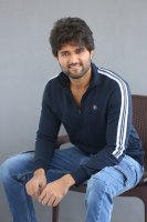 Taxiwala-Hero-Vijay-Devarakonda-Latest--Interview-Stills-(18)