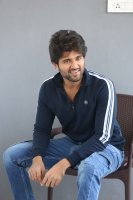 Taxiwala-Hero-Vijay-Devarakonda-Latest--Interview-Stills-(19)
