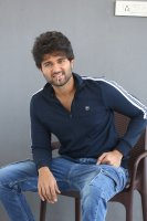 Taxiwala-Hero-Vijay-Devarakonda-Latest--Interview-Stills-(20)