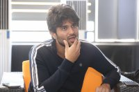 Taxiwala-Hero-Vijay-Devarakonda-Latest--Interview-Stills-(29)