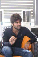 Taxiwala-Hero-Vijay-Devarakonda-Latest--Interview-Stills-(31)