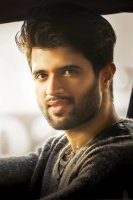 Taxiwala-Hero-Vijay-Devarakonda-Photos-(3)