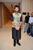 Vijay-Devarakonda-At-KLM-Mall-Logo-Launch-Stills-(2)
