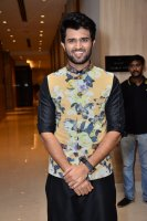 Vijay-Devarakonda-At-KLM-Mall-Logo-Launch-Stills-(4)