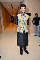 Vijay-Devarakonda-At-KLM-Mall-Logo-Launch-Stills-(6)