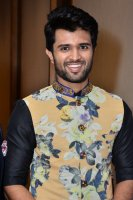 Vijay-Devarakonda-At-KLM-Mall-Logo-Launch-Stills-(8)