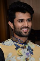 Vijay-Devarakonda-At-KLM-Mall-Logo-Launch-Stills-(9)