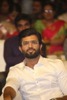 Vijay-Devarakonda-at-Geetha-Govindam-Audio-Launch-Stills-(1)
