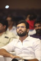 Vijay-Devarakonda-at-Geetha-Govindam-Audio-Launch-Stills-(12)