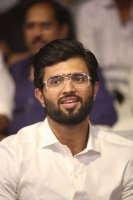 Vijay-Devarakonda-at-Geetha-Govindam-Audio-Launch-Stills-(13)