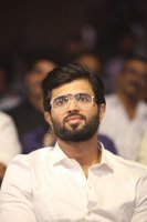 Vijay-Devarakonda-at-Geetha-Govindam-Audio-Launch-Stills-(16)