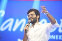 Vijay-Devarakonda-at-Geetha-Govindam-Audio-Launch-Stills-(20)