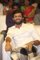 Vijay-Devarakonda-at-Geetha-Govindam-Audio-Launch-Stills-(21)