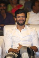 Vijay-Devarakonda-at-Geetha-Govindam-Audio-Launch-Stills-(3)