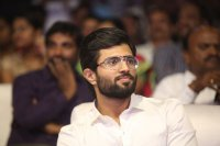 Vijay-Devarakonda-at-Geetha-Govindam-Audio-Launch-Stills-(7)