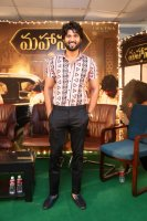 Vijay-Devarakonda-at-Mahanati-Movie-Success-Meet-Stills-(2)